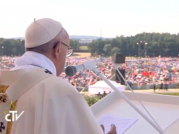 papa-preside-missa-de-encerramento-da-jmj-2016