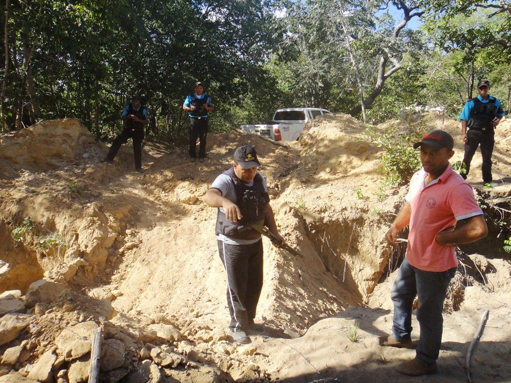 seguranças armadas impedem acesso às soltas dos geraiseiros